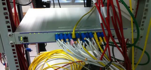 เปลี่ยนอุปกรณ์ Switch ศูนย์พาณิชยการณ์พระนคร อาคารพร้อมมงคล ชั้น 2 ห้อง Network Center