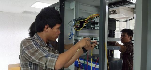 เปลี่ยนอุปกรณ์เครือข่ายหลัก ศูนย์พณิชยการพระนคร อาคารพร้อมมงคล ชั้น 2 ห้อง Network Room