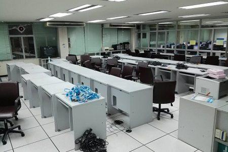ทำการจัดเก็บอุปกรณ์คอมพิวเตอร์และปรับปรุงห้องศูนย์การเรียนรู้ด้วยตนเอง