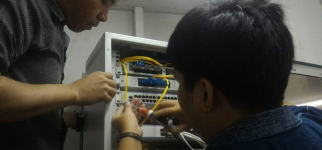 เปลี่ยน Switch network อาคารเรียน 6 ห้องโทรศัพท์ ศูนย์โชติเวช
